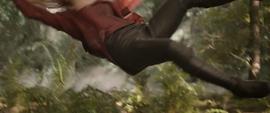 Wanda es lanzada por Thanos