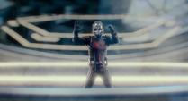 Ant-Man atrapado en contenedor