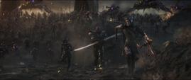 Glaive corre contra los Vengadores