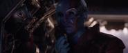 Nebula trata de comunicarse con Barton y Romanoff