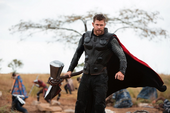 Thor con el Rompetormentas en Wakanda