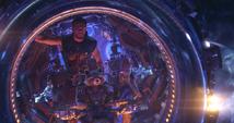Thor viaja con Rocket y Groot