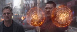 Banner y Wong ven a Stark