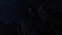 Loki observa a Stark y Thor pelear