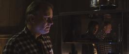 Doctor Selvig y Loki de fondo