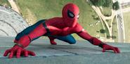 Hombre Araña trepando