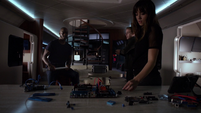Skye trata de entender cuál es el plan de Coulson