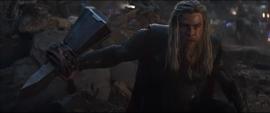 Thor invoca el Rompetormentas