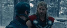 Thor habla con Rogers