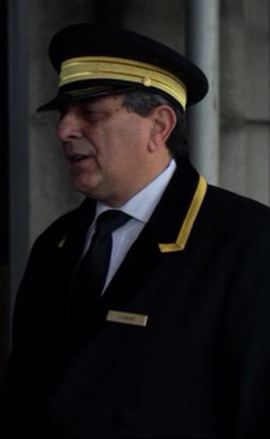 Omar (Concierge)