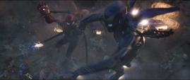 Potts rescata a Parker