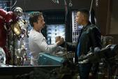Rhodes luego de ayudar a Stark