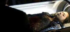 Cuerpo de Skye en la camara hiperbarica