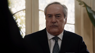 Malick logra convencer a todos que Coulson es un traidor