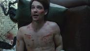 Murdock despierta en su sofa