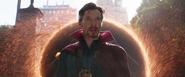 Strange llama a Stark