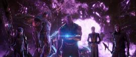 Thanos y la Orden Oscura abandonan la Estadista