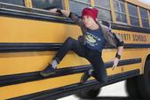Parker sale del autobus