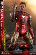 I am Iron Man Hot Toys 8