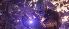 Thanos se libra de los escombros