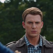 Rogers supervisa el regres de Loki a Asgard.png