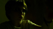 Joven Murdock usando gafas