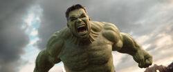 Thor Ragnarok-HulkIsBackToFight.jpg