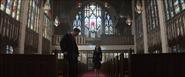 Steve y Natasha en una iglesia