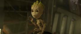 Groot despidiéndose de Gamora