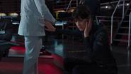 Hill aprende sobre la muerte de Coulson