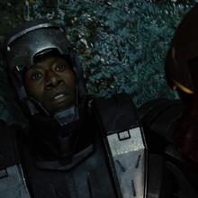 Rhodes sin el casco puesto - Iron Man 2.png