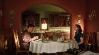 Stark comiendo con Carter