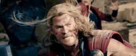 Thor luchando en Sokovia