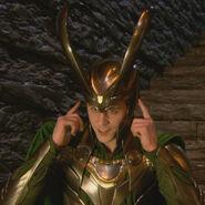 Loki behind the scenes Thor 01