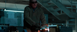 Adrian Toomes cortando metal - SPH