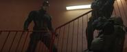 Capitan America enfrentandose a unos policias - CW02