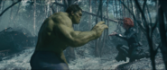 Widow arrulla a Hulk