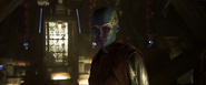 Nebula voltea a ver a Gamora