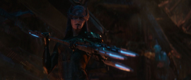 Midnight amenaza a Loki