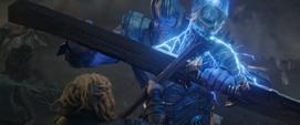 Thanos choca su espada con el Rompetormentas de Thor