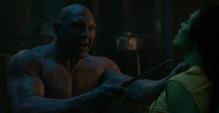 Drax ataca a Gamora