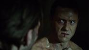 Mace es torturado por Ivanov