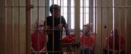 Parker a punto de abrir la celda para escapar