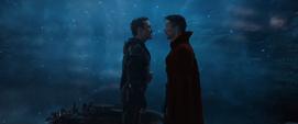 Stark debate con Strange