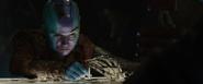 Nebula jugando con Stark
