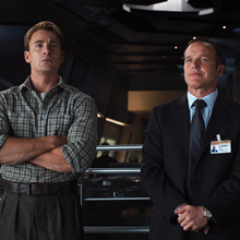 Coulson cerca de Capitan America.png
