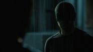 Murdock enmascarado habla con Ben