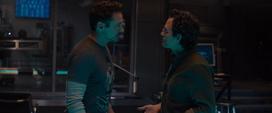 Stark habla con Banner sobre Visión
