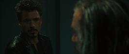 Stark visita la celda de Vanko