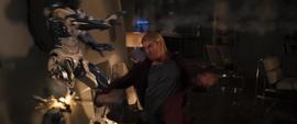 Thor confronta a los Centinelas en la Torre